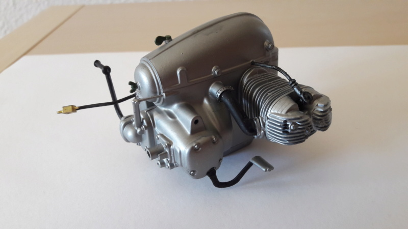 ZUNDAPP KS-750 SIN SIDECAR WWII - ESCI ESCALA 1/9 Z0910