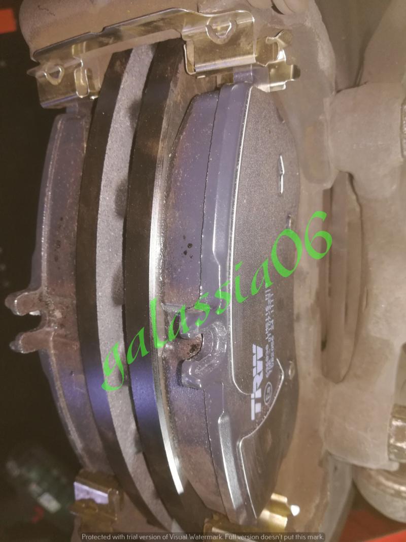 Sostituzione dischi e pastiglie su  C220 W 204 13411