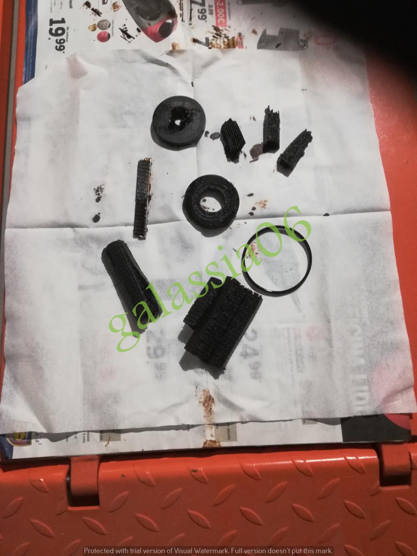 Sorpresa nel cambio olio filtro olio ..... ( non M.B. )  Img_2031