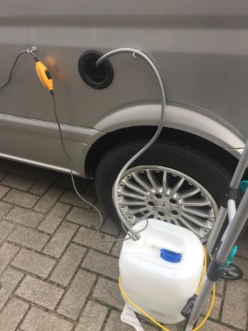 remplissage réservoir eau propre Img_3312