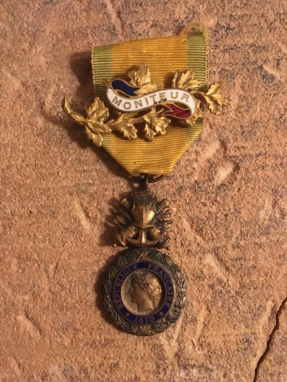 Broche Médaille Militaire  96b44310