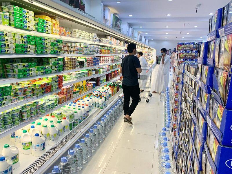 غداً الآحد سيتم السماح لمن هم أقل من 15 سنة بالدخول للمحلات والأسواق التجارية 000-4410