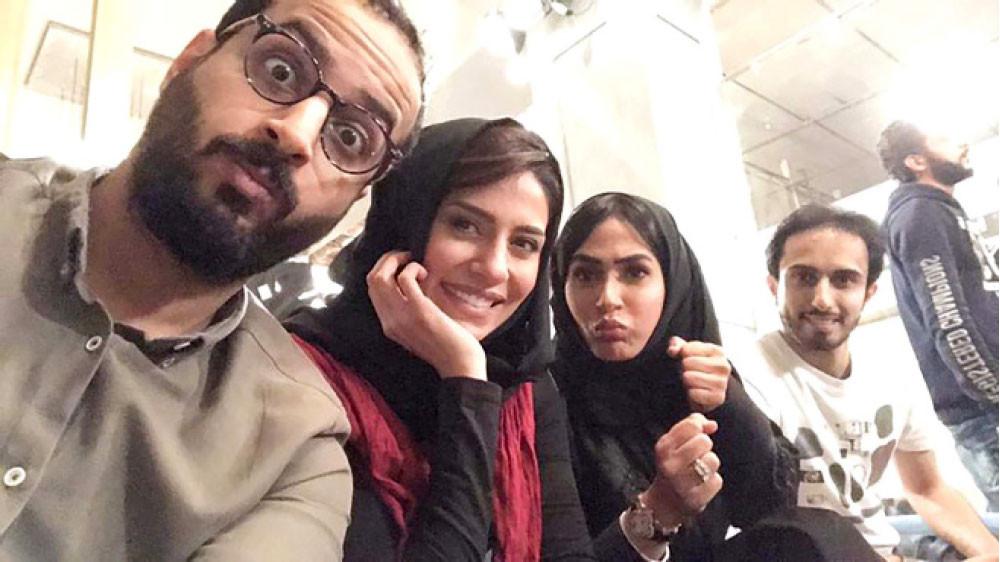 شاهد الآن صورة خالد صقر خطيب الفنانة السعودية إلهام علي F1323210