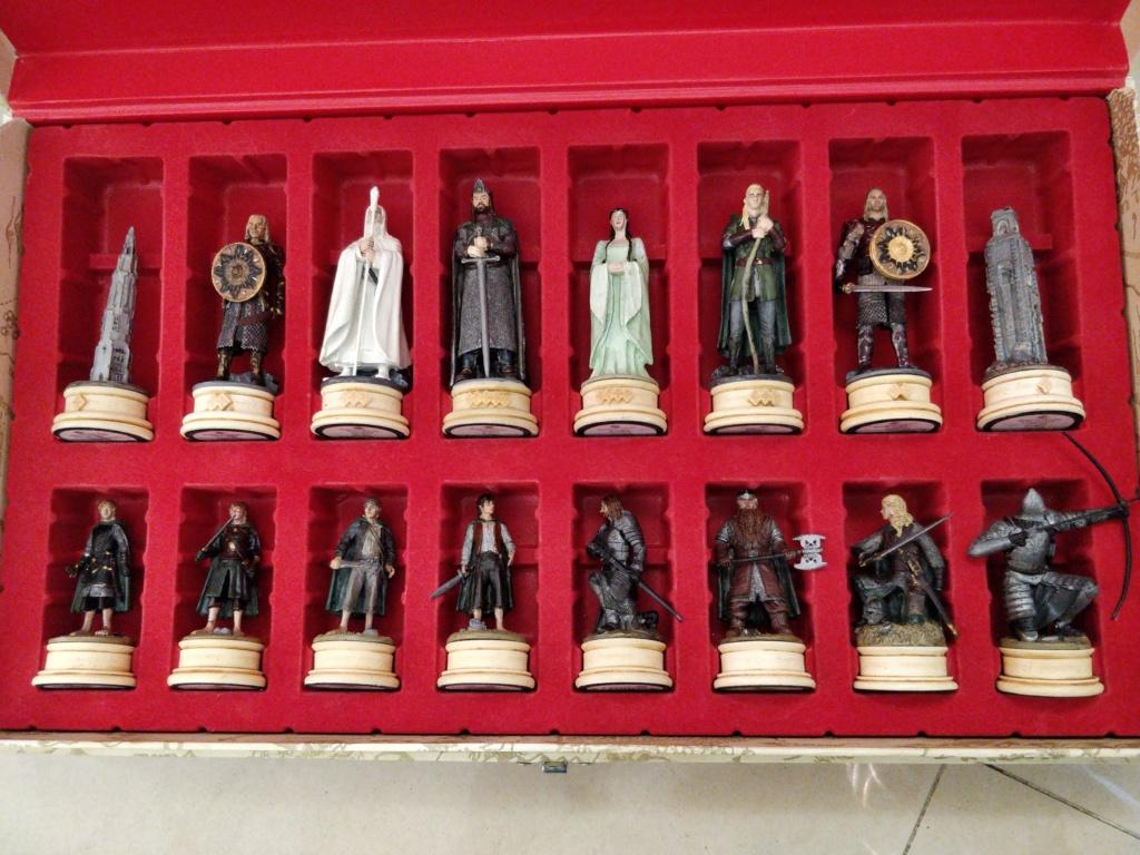 Vente jeu d'échecs figurines seigneur des anneaux Img_2012
