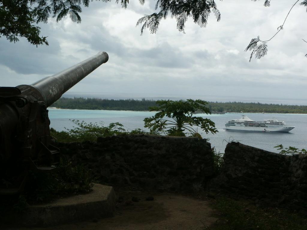 Les canons de BORA BORA  Pict0510