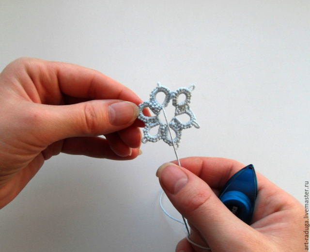 Плетем замкнутый мотив одним челноком A1301b10