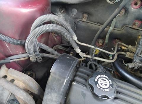 Tuyaux / conduites de carburant / essence, 2.5 L essence S2 1995 10787012