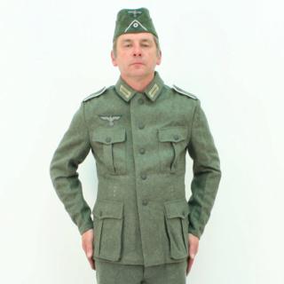 """L'uniforme """"Der Grüne Landser"""" Rum32110"""