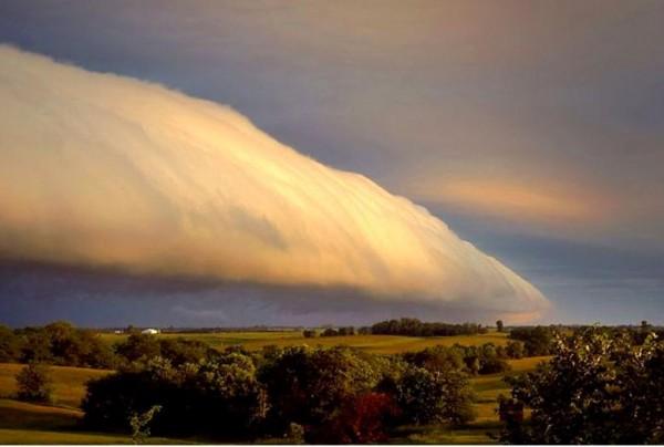Le nuage de gloire du matin  400_210