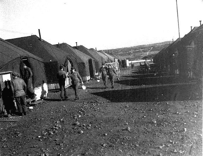 Camp US et de prisonniers (CCPWE 404) de Calas (13) - Page 3 Tente10