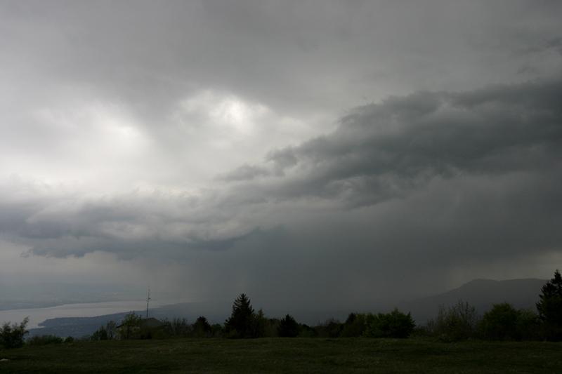orage sur le léman Arcus410