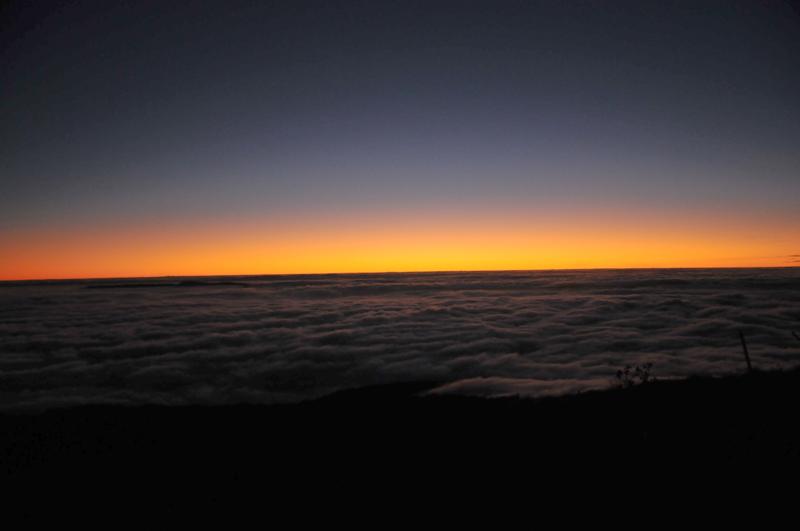 mer de nuage sur coucher de soleil Crapus10