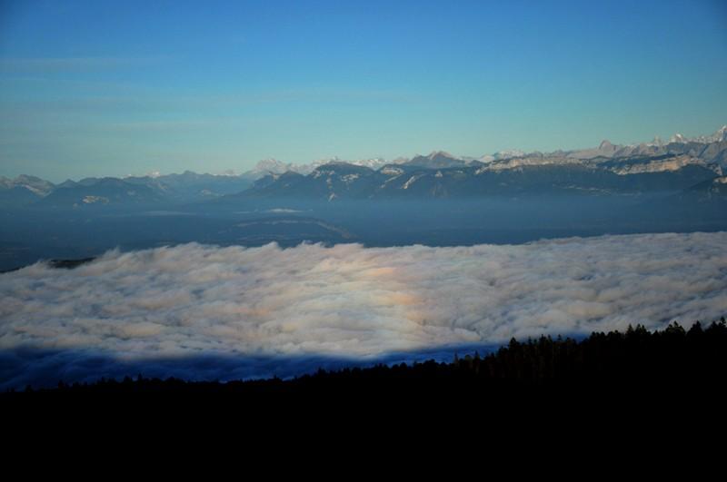 mer de nuage sur coucher de soleil Irrisa10