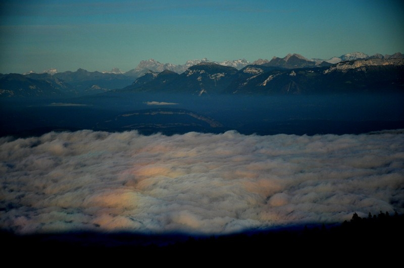 mer de nuage sur coucher de soleil Irrisa11