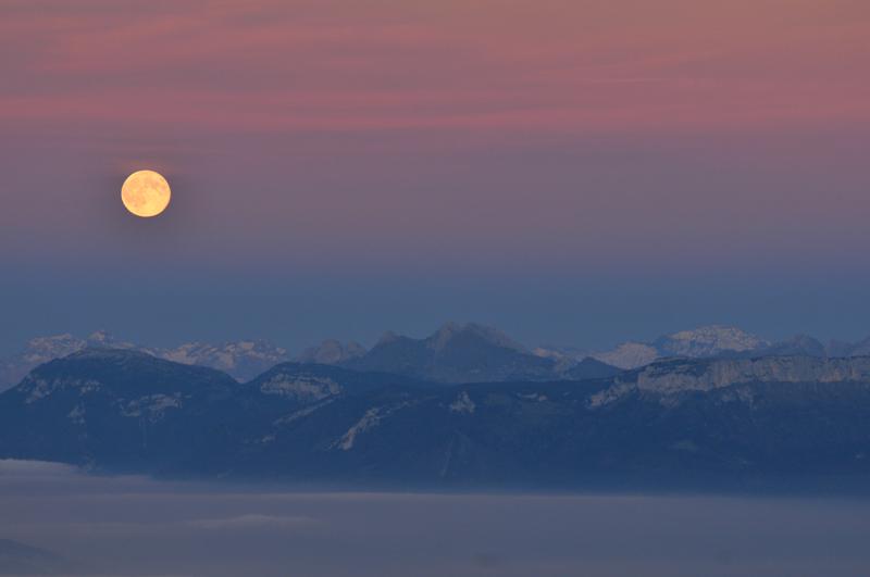mer de nuage sur coucher de soleil Lever_11