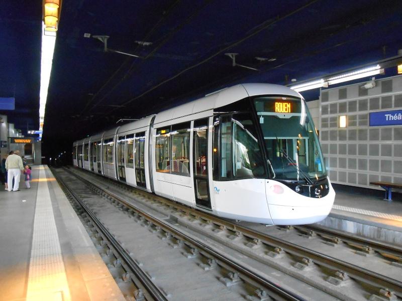 De nouvelles rames de Tram pour 2011-2012 - Page 11 Rouen_13