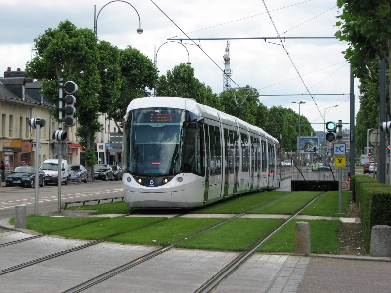 De nouvelles rames de Tram pour 2011-2012 - Page 11 Rouen_14