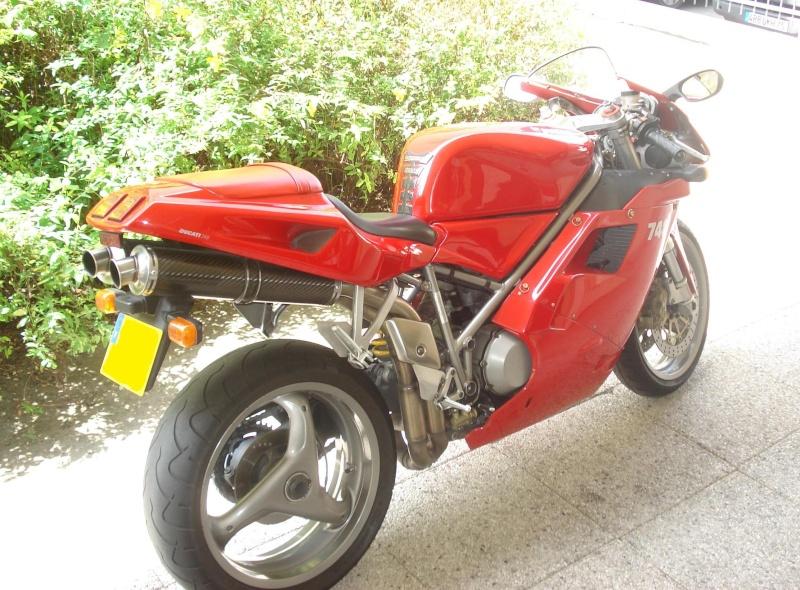 Ducati 748... 74810