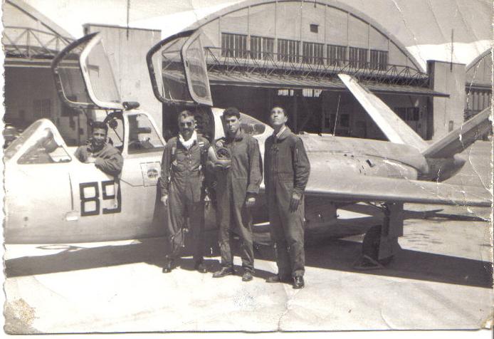 FRA: Photos anciens avions des FRA Pic010