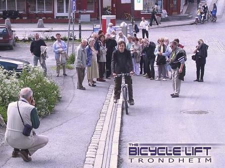 Un ascenseur pour vélo.... 2c3c4310