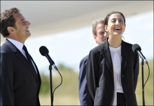 Ingrid Betancourt respire l'air de la France 20080710