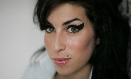 Amy Winehouse dies aged 27 Amy_bm10