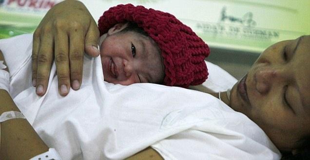 bébé  DANICA la 7ème millardièmes  personnes sur terre  Danica10