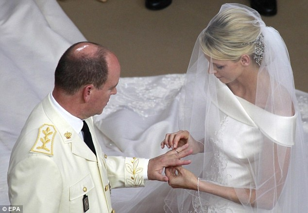MARIAGE à MONACO  PRINCE ALBERT - CHARLENE Uoo_bm10