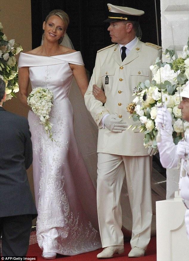 MARIAGE à MONACO  PRINCE ALBERT - CHARLENE Vvv_bm10