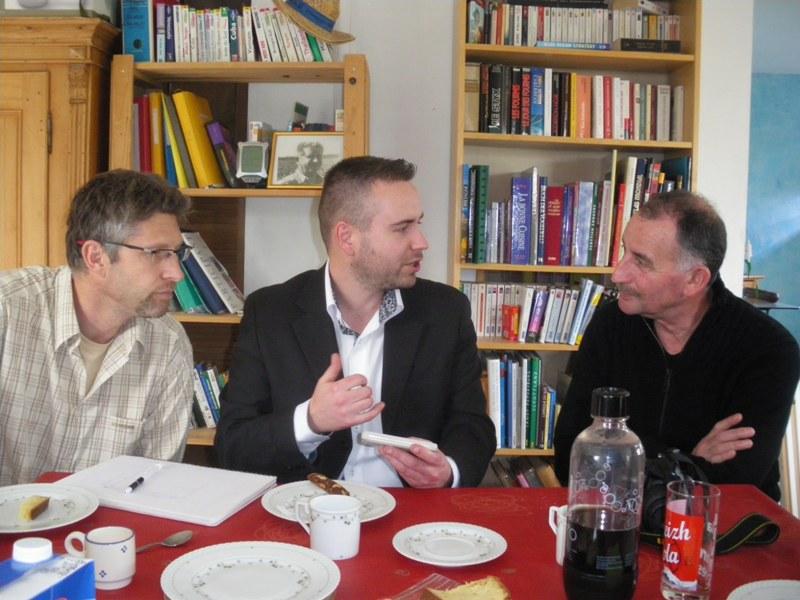 Photo réunion inprovisée chez Pierre. Imgp9327