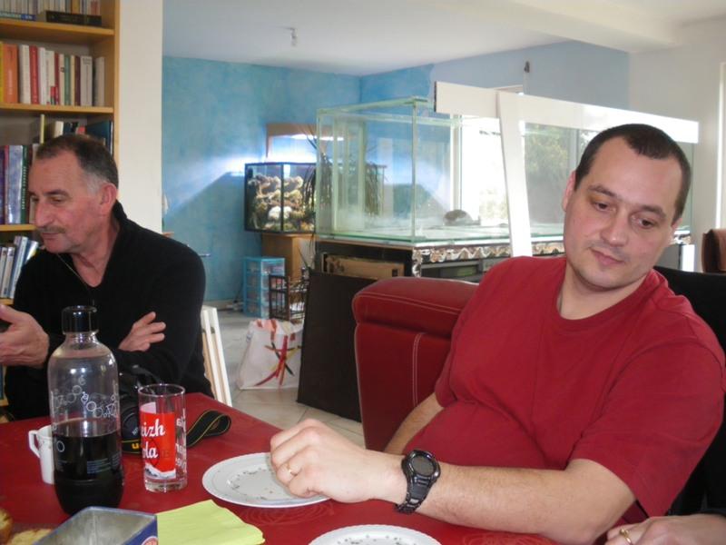 Photo réunion inprovisée chez Pierre. Imgp9328