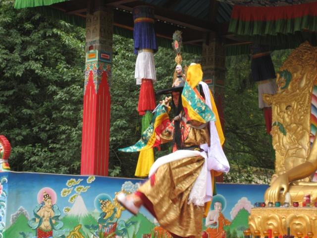 Le Tcham, Danse sacrée des Tibétains Chauss11