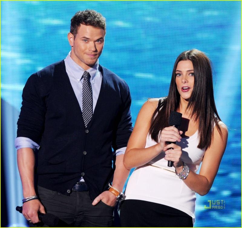Teen Choice Awards [07-08-11] Ashley11