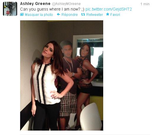 Les messages d'Ashley sur Twitter [traduction] - Page 8 Tweets10