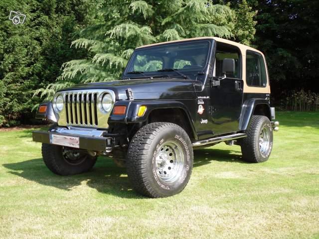 Un ami vend sa Jeep Wrangler 79344710