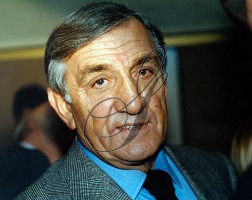 Lino Ventura ,photos années 80 - Page 2 Grange27