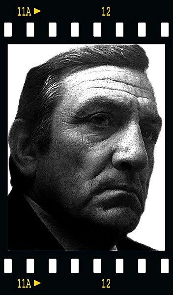 Lino Ventura ,photos années 80 - Page 2 Untiu10
