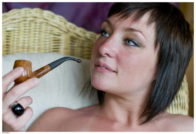 La pipe détend Julie210