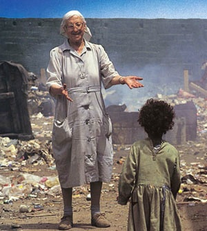 Sœur Emmanuelle : la « petite sœur des pauvres » Soeur-10