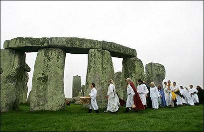 Le royaume uni reconnaît ses druides Cercle10