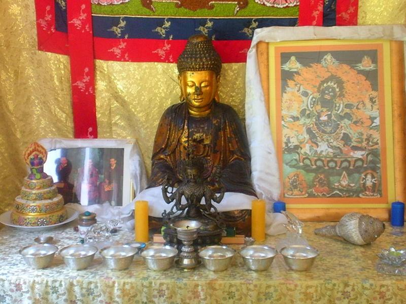l'Institut Ganden Ling sous l'autorité spirituelle du Vénérable Dagpo Rimpotché Lainst18