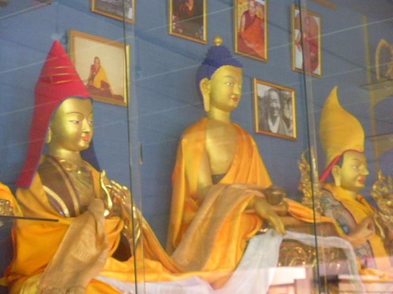 l'Institut Ganden Ling sous l'autorité spirituelle du Vénérable Dagpo Rimpotché Lainst19