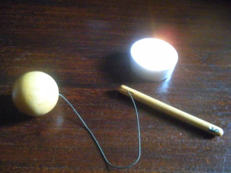 Pendule boule ronde en bois avec manche Pendul12