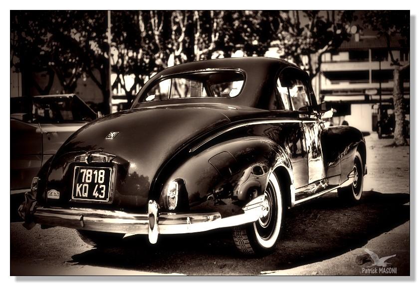 voitures anciennes à Frontignan Pma24423