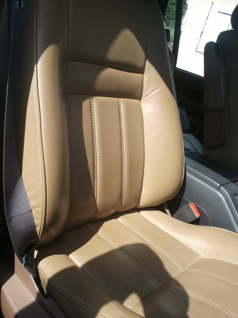 Revêtements de sièges avant en cuir beige... Siage_11