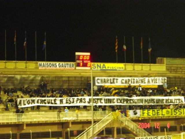 banderoles insultantes Toulon10