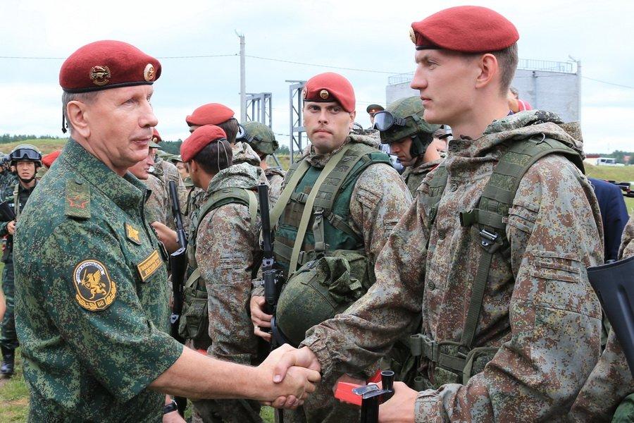 Russian camo uniforms - Page 3 Russie22