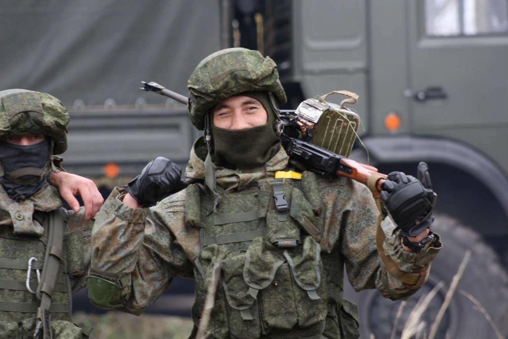 Russian camo uniforms - Page 3 Russie23