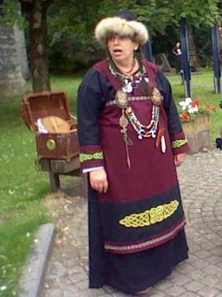 Tenue viking femme Antoin10