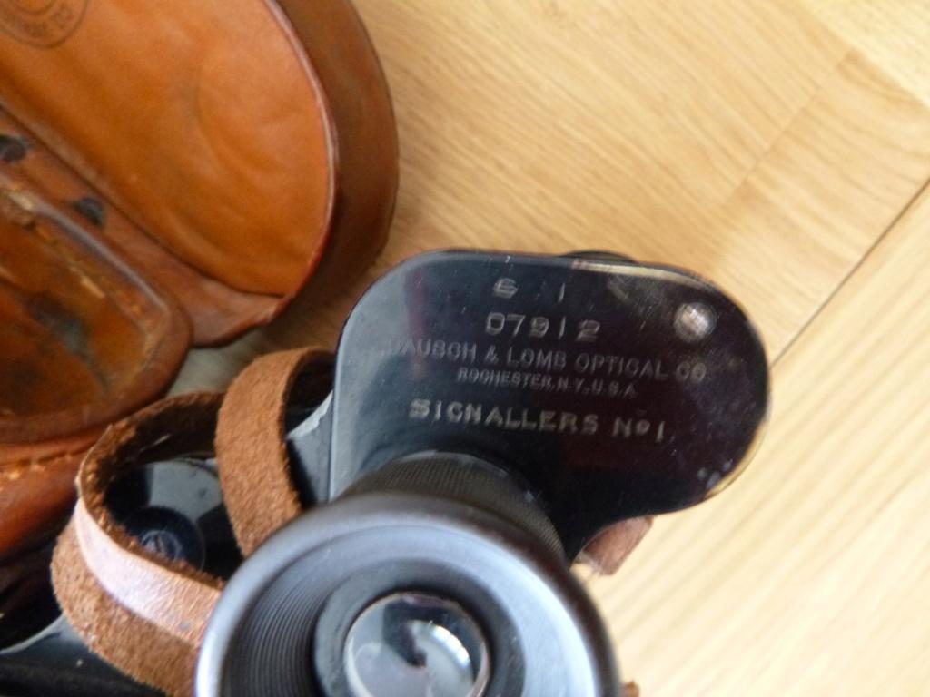 PAIRE DE JUMELLES BAUSCH AND LOMB WW1 REGIMENT ANGLAIS?  P1010612